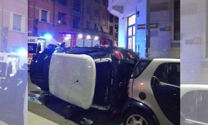 Auto ribaltata in viale Espinasse, una donna ferita