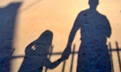 Abusi su tre bambini, arrestato pensionato