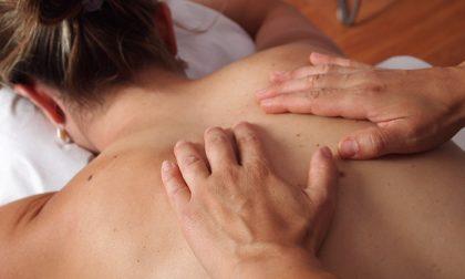 Massaggio olistico, olii e profumi per l'auto-guarigione
