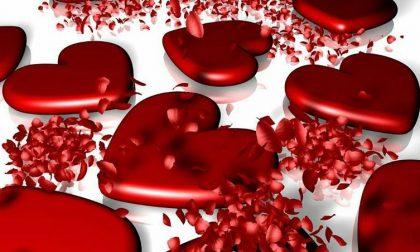 Frasi di San Valentino romantiche (e baci da film) VIDEO