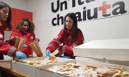 Dolci avanzati dal Carnevale alle famiglie bisognose grazie alla Croce Rossa