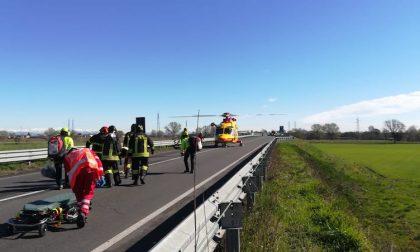 Grave incidente sulla Bretella Cerca Binasca: elisoccorso sul posto FOTO