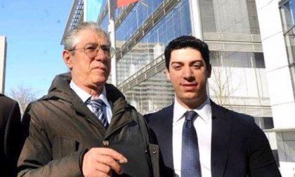 Umberto Bossi dimesso dall'ospedale di Varese