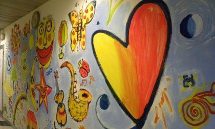 Un murale realizzato dai giovani pazienti del Servizio per le dipendenze