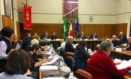 Corsico nel caos amministrativo, la parola ai consiglieri di Forza Italia