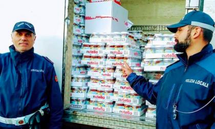 Furgone rubato con dentro 15mila euro di Nutella e dolci