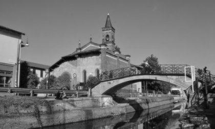 Prete rimane impiccato nell'imbragatura mentre pulisce la grondaia della chiesa