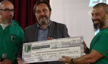 Verde Pisello Group dona un assegno al Comune per progetti sportivi