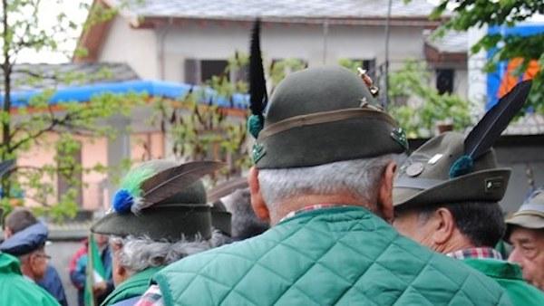 Cappelli degli alpini smarriti