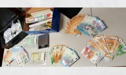 Nasconde in cantina 700 grammi di cocaina e 24mila euro: arrestato