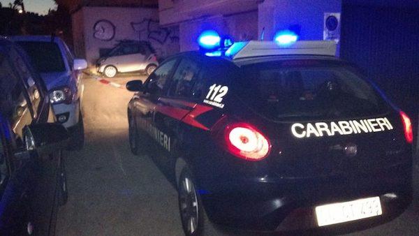 Ubriaco aggredisce due carabinieri