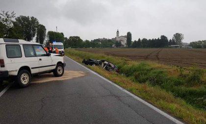 Incidente lungo la strada Mirasole: due feriti e traffico paralizzato