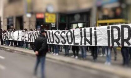Striscione fascista prima della partita: nove Daspo per gli ultras