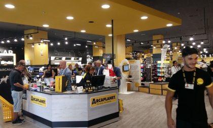 Arcaplanet inaugura tre nuovi store in Lombardia a Rozzano, Curno e Brescia
