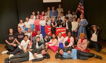 Musical in lingua: i bravi studenti di Buccinasco recitano Grease FOTO