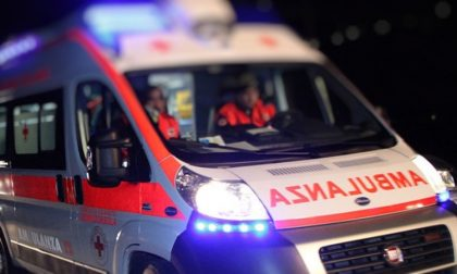Incidente tra auto in via delle Rose: due feriti