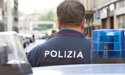 Rapina locale e tenta la fuga: lo ferma la polizia