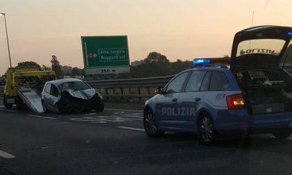 Sbatte contro il guardrail lungo la Tangenziale: due feriti FOTO