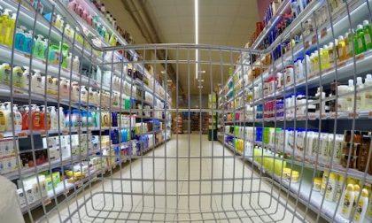Si finge disabile per rubare nel supermercato: arrestato