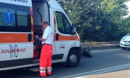 Incidente tra auto e moto: ferito un uomo di 52 anni