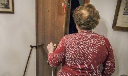 """""""Il vicino è morto, sto raccogliendo soldi per i fiori"""": ecco la truffa"""