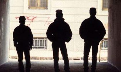Aggressioni violente ai negozianti e rapine: presa la baby gang