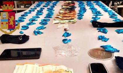 Arrestato spacciatore con 400 dosi di cocaina nelle scarpe