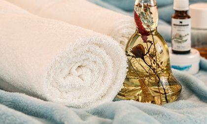 Dormire bene la notte grazie a cromoterapia e aromaterapia