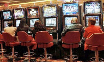 Contro il gioco d'azzardo, slot spente per sei ore al giorno