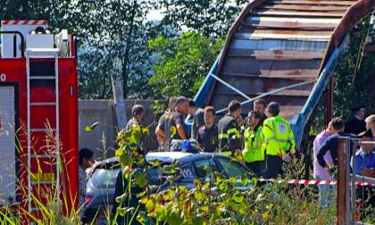 Annegano nella vasca di liquami: quattro lavoratori morti