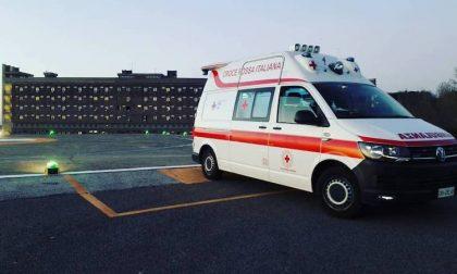 Scontro tra auto e moto a Buccinasco: due feriti