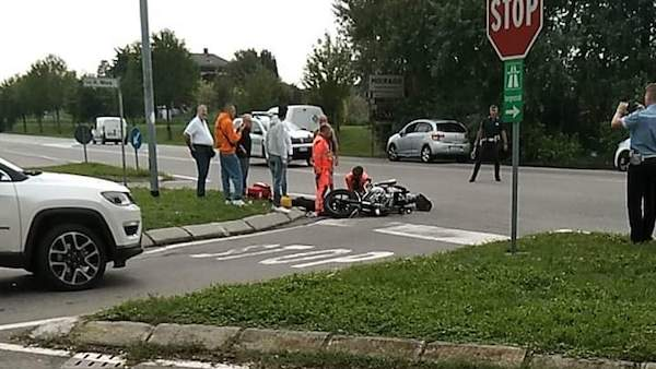 Incidente tra auto e moto