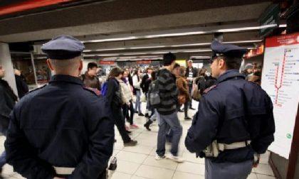 Borseggiatrici in azione in metropolitana: arrestate due donne