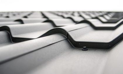 Un tetto coibentato migliora l'isolamento termico
