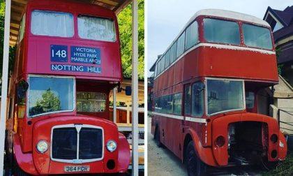 Un autobus londinese trasformato in abitazione: l'idea di un trezzanese FOTO