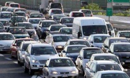 Incidenti a catena: traffico paralizzato da lunghe code