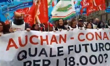 Passaggio Auchan-Conad: in centinaia manifestano, sciopero nazionale