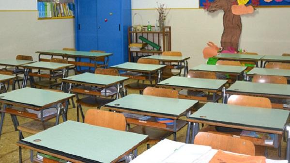 Maestra elementare denuncia
