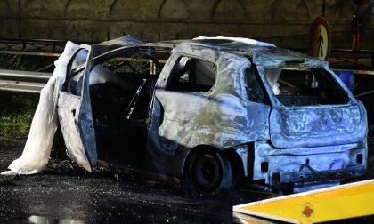 Grave incidente stradale sulla Vecchia Vigevanese: il guidatore incastrato muore carbonizzato FOTO
