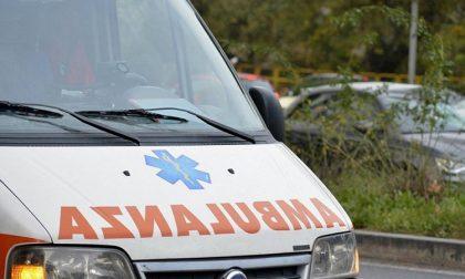Incidente tra auto e moto: un ferito