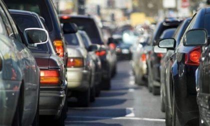 Incidente sulla Tangenziale Ovest: un ferito e traffico in tilt