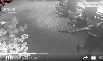 I rapinatori armati della sala scommesse rimangono in carcere: arresti convalidati