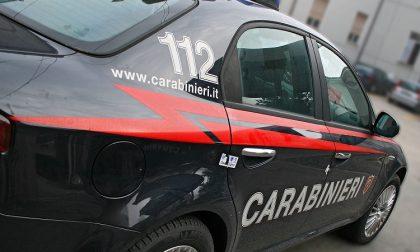 Aggredisce la mamma e le devasta casa: arrestato dai carabinieri