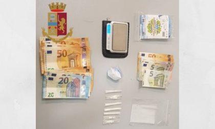 Cocaina nascosta nel motorino e in casa: arrestato spacciatore