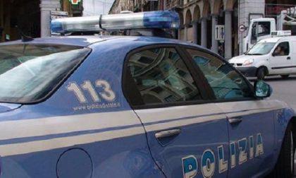 Droga e oltre 13mila euro in contanti nascosti in casa: arrestato spacciatore