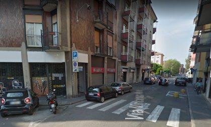 Risse e schiamazzi davanti alla pizzeria: chiusura del locale alle ore 21