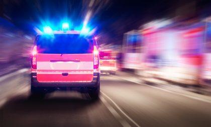 Caduta da moto, ragazzo di 21 anni in condizioni disperate