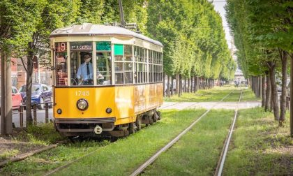 Donna investita dal tram: è in condizioni gravissime