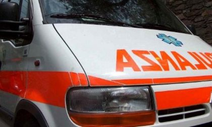 Incidente tra auto e moto: ferito uomo di 37 anni