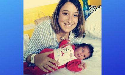 Edoardo ha fretta di nascere: mamma dimessa dall'ospedale partorisce in casa
